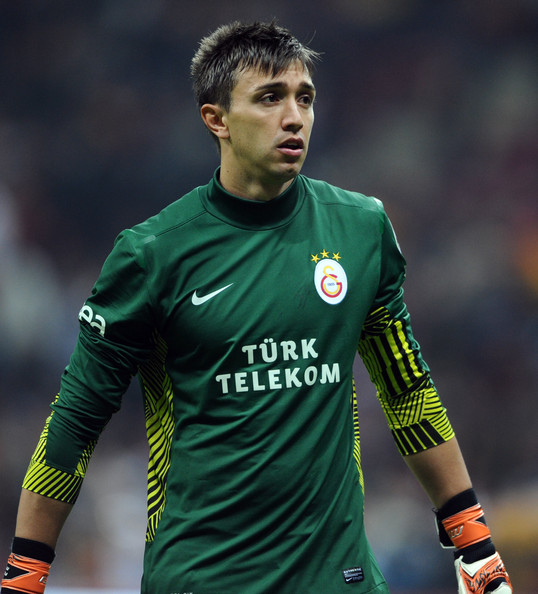 The 31-year old son of father Hugo Muslera and mother Norma Micol, 190 cm tall Fernando Muslera in 2017 photo